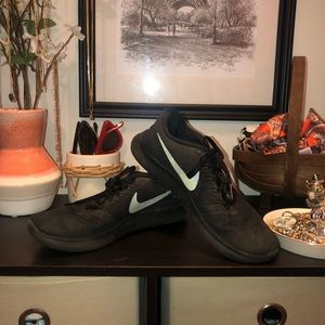 Womens Nike Running Shoes Size 7